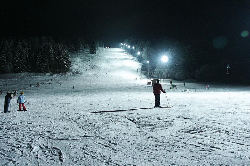 Nachtskifahren im Skigebiet Hündle/Thalkirchdorf Region Oberstaufen - Allgäu