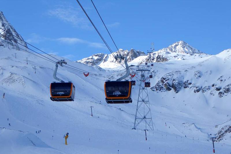 Die 3S Eisgratbahn am Stubaier Gletscher