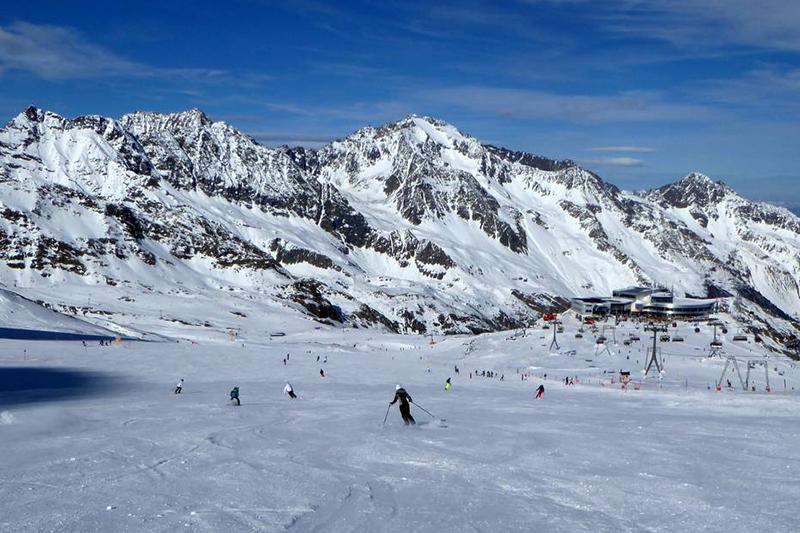 Piste Eisjochferner am Stubaier Gletscher in Tirol