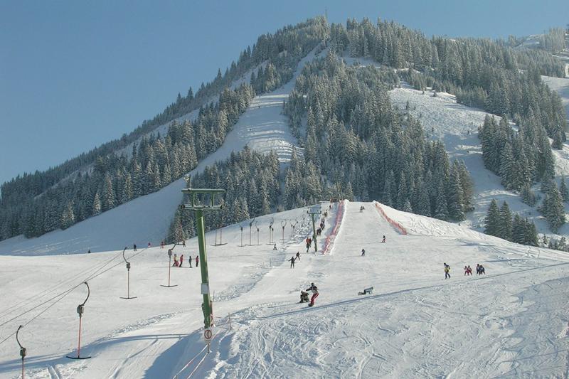 Der Ressenbichlift im Skigebiet Tannheim