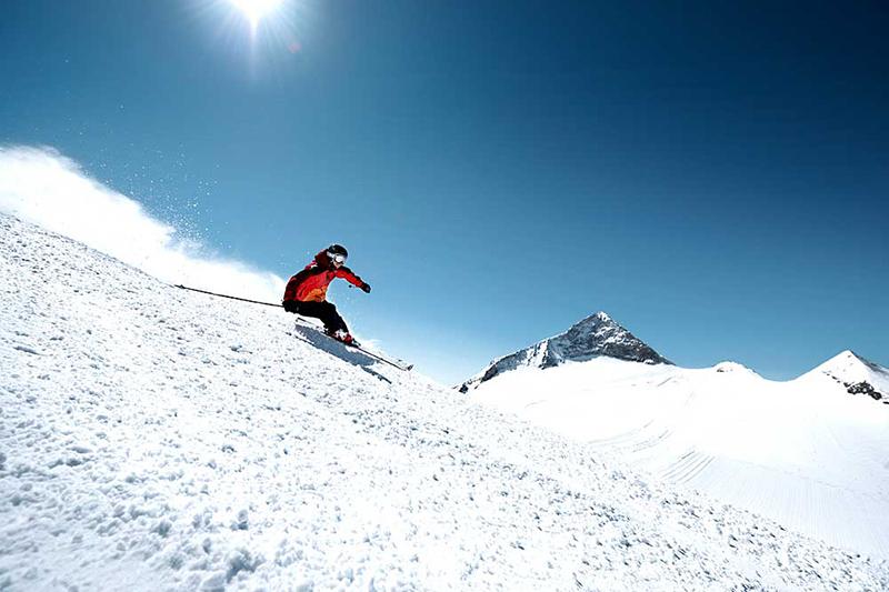 Abfahrt Olperer am Hintertuxer Gletscher in Österreich