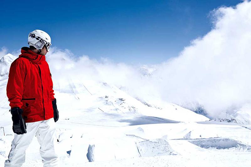 Bretterpark für Snowboarder am Hintertuxer Gletscher