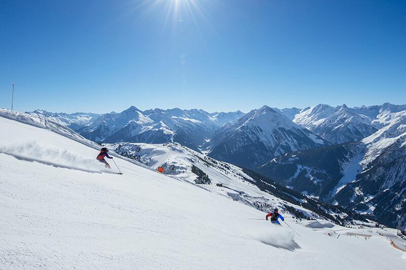 Panoramaabfahrt am Hintertuxer Gletscher in den Zillertaler Alpen