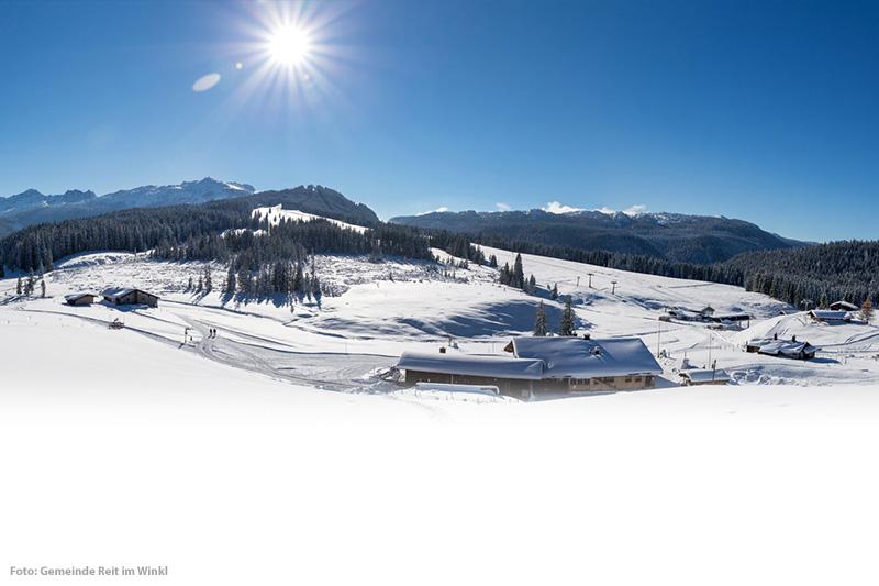 Inmitten der Chiemgauer Alpen gelegen, ist das Skigebiet Winklmoosalm-Steinplatte