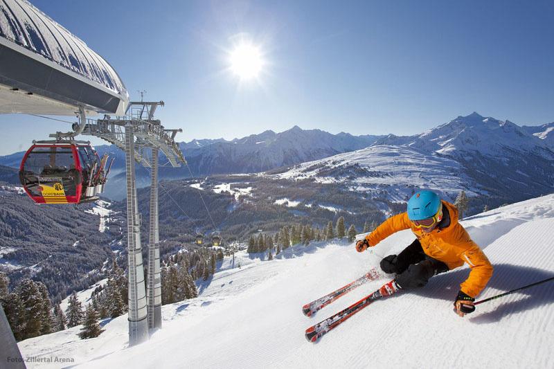 Skifahrer in der Zillertal Arena