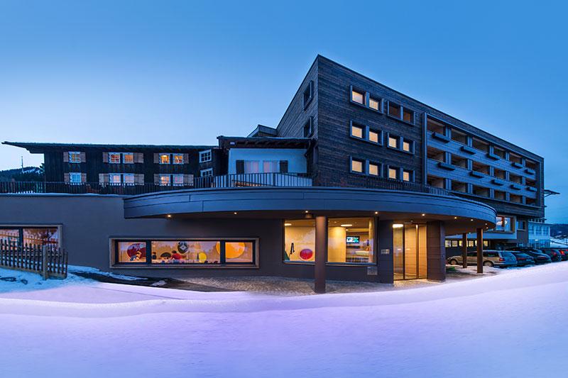 Winterurlaub im Kinderhotel Alphotel im Kleinwalsertal