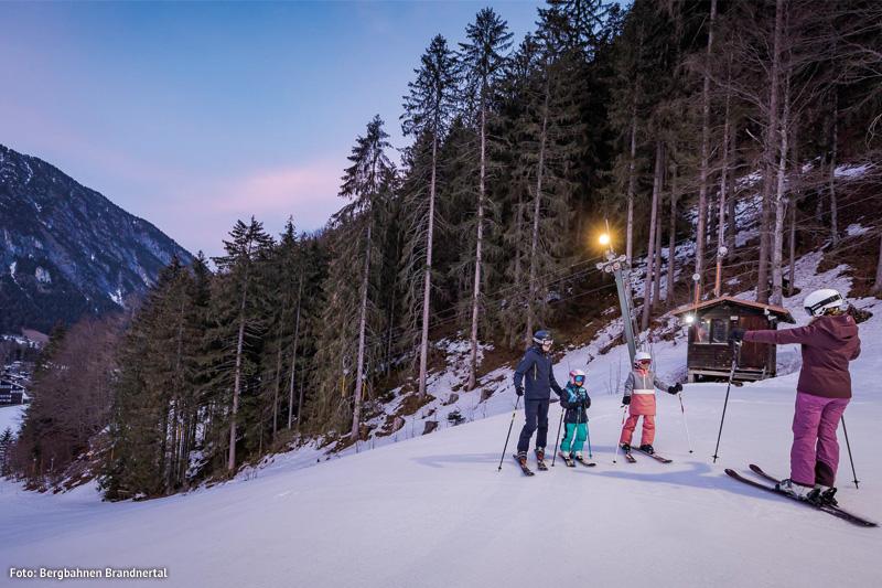 Ski fahren unterm Sternenhimmel