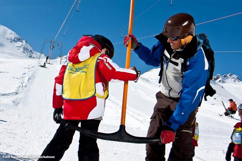 Skikurse für Kinder und Erwachsene