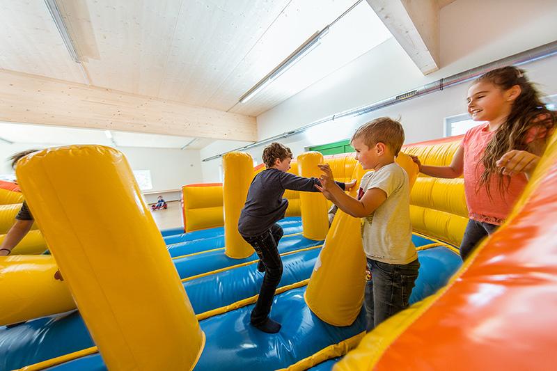 Großer Indoor-Spielplatz