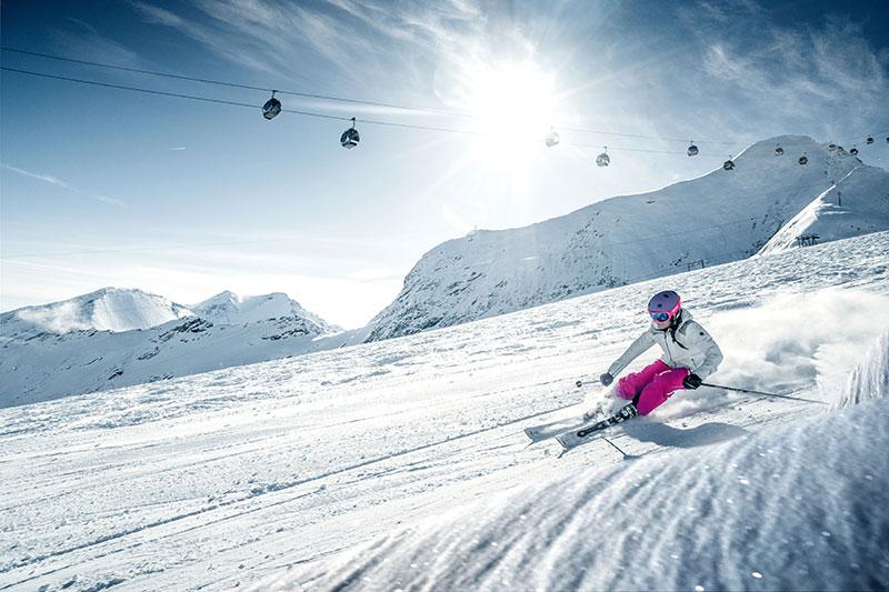 ab Oktober Skibetrieb am Gletscher