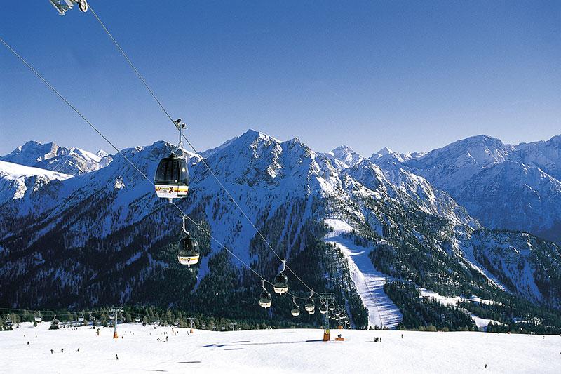 Bergbahn im Skigebiet Kronplatz / Dolomiti Superski