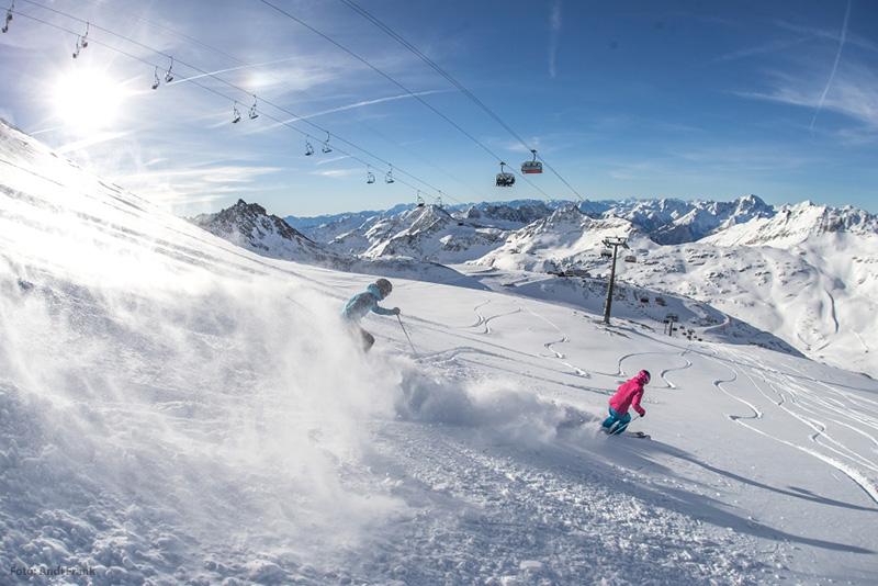 Skifahren im Skigebiet Mölltaler Gletscher