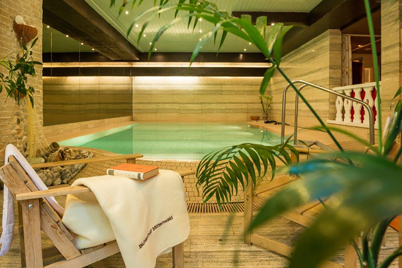 Indoor Pool im Hotel Bichlerhof