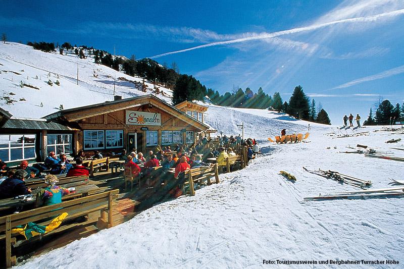 Gemütliche Skipause in der Sonnenalm