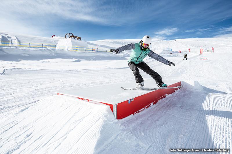 Dynamische Steilkurven, Schneewellen, Schneeschnecke - bietet die Funslope Spaß für Anfänger und Profis