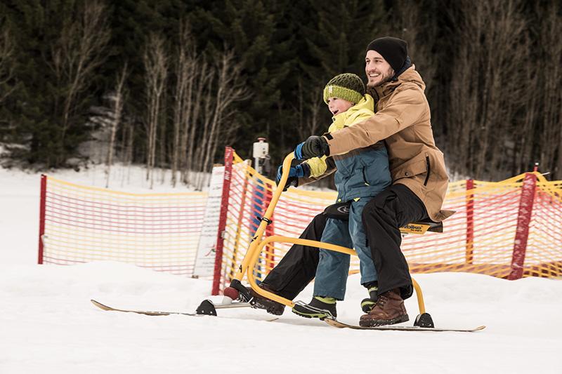 Das Winterparadies auf der Waldhof-Alm im Winterurlaub mit Kindern