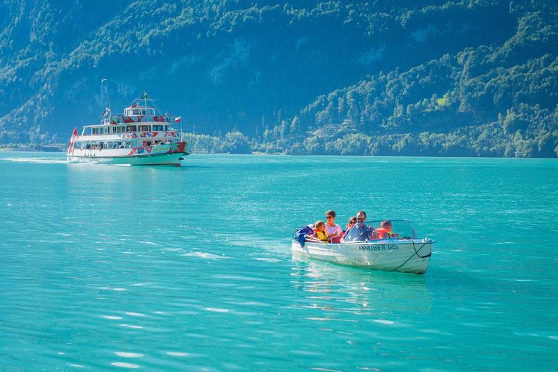 Im Motorboot auf dem Brienzer See