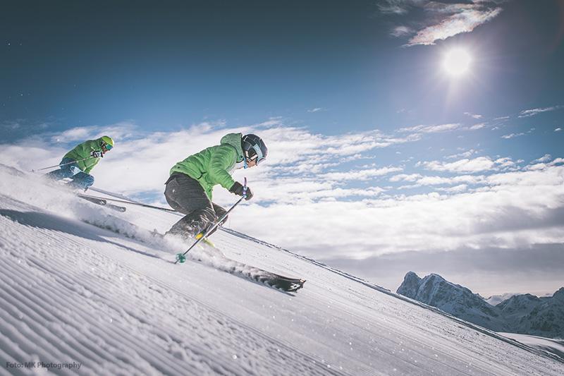 Skifahren mit Panoramablick