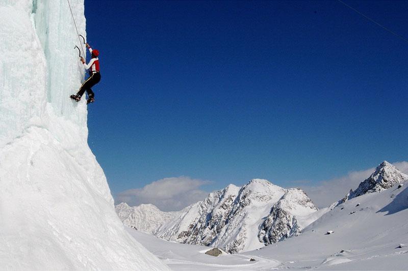 Eisklettern am Stubaier Gletscher