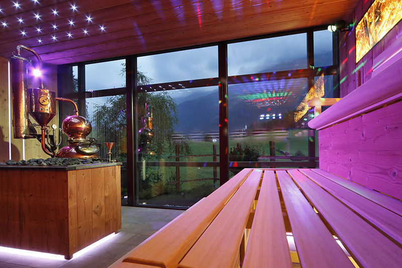 Schnapsbrenner-Sauna mit Blick ins Ridnauntal