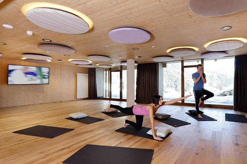 Entspannung für Körper, Geist und Seele im Yoga-Raum