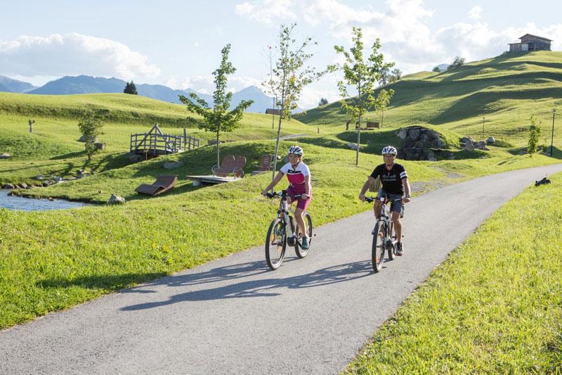 Gemütliche Radtouren durch Serfaus, Fiss und Ladis