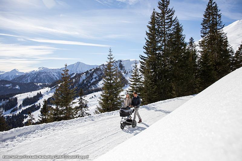 Winterwandern in einer schönen Bergkulisse