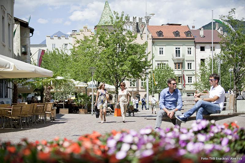 Brixen erreichst Du vom Gassenhof in 45 Minuten