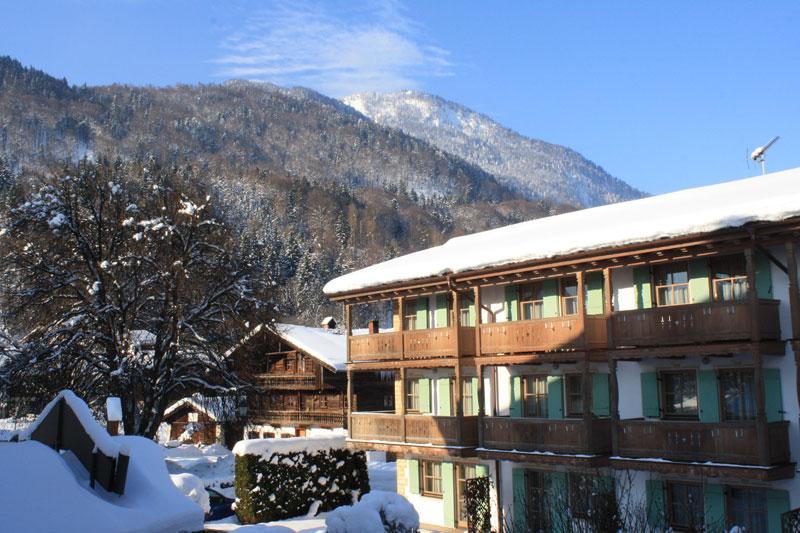 Winterlicher Panoramablick vom Hotel