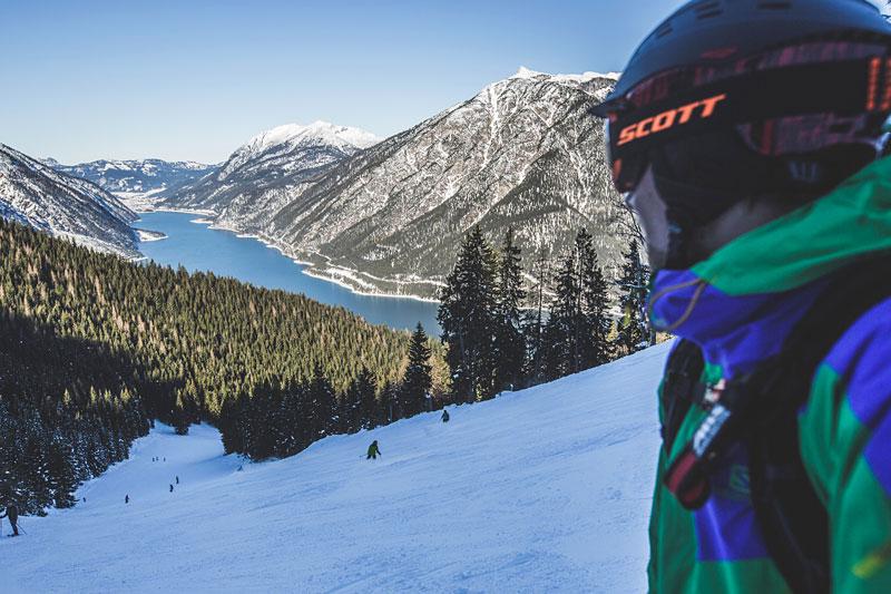 Skifahren mit Ausblick auf den Achensee