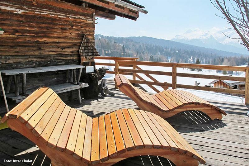 Hütte im Fassatal mit Aussicht auf die Skipiste