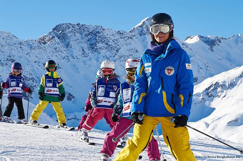 Familientipp: In Arosa ist die Skischule für Kinder inklusive