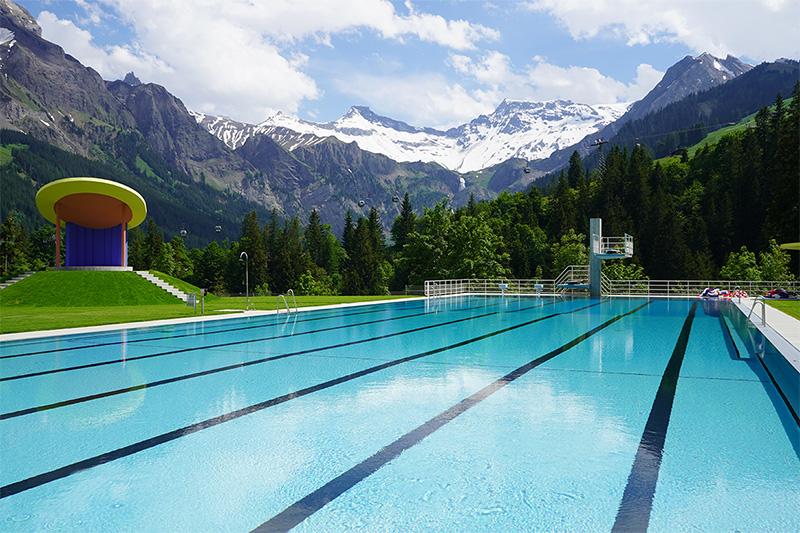 Panorama-Schwimmbad Gruebi