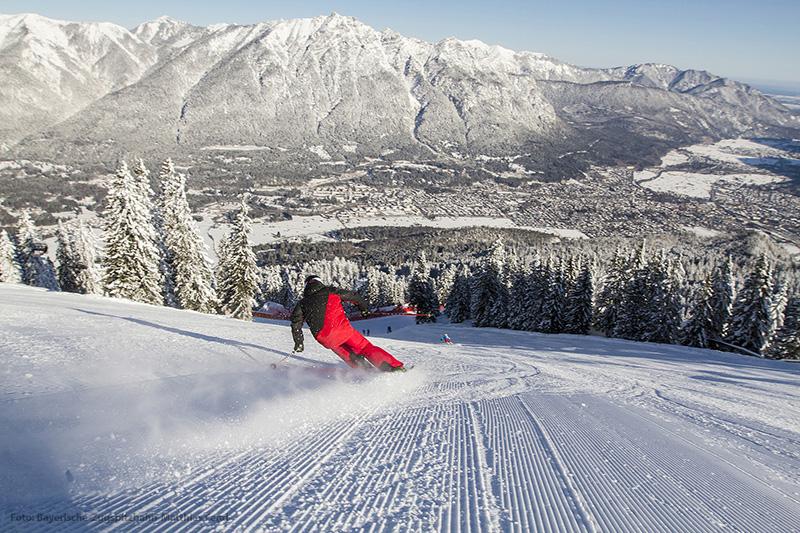 Ausblick auf Garmisch-Partenkirchen beim Skifahren