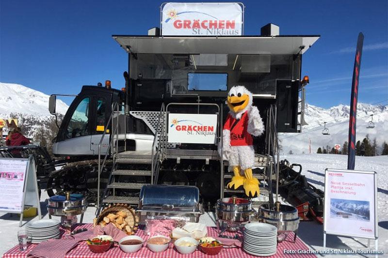 Der Gourmettower - mobiles Restaurant auf einem Pistenfahrzeug