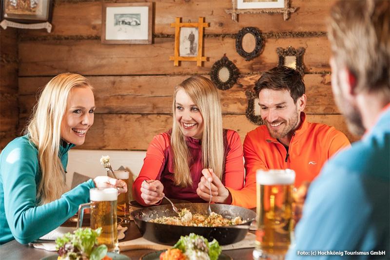 Gemütliche Skihütten gehören zu einem perfekten Skitag
