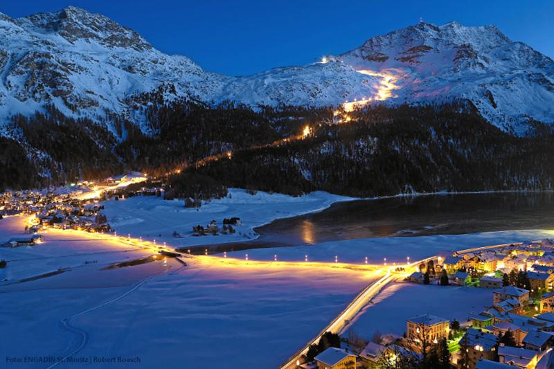 Beleuchtete Skipiste in St. Moritz
