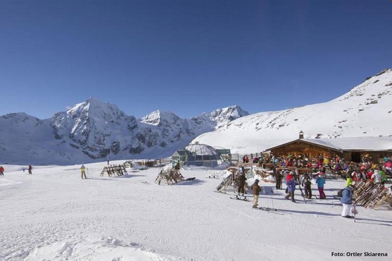 Skihuette im Gletscherskigebiet Sulden