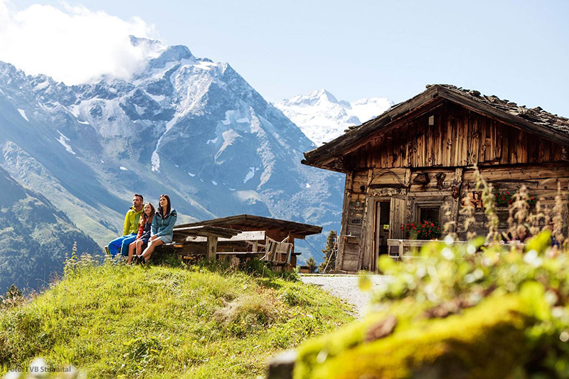 Urige Hütten und mächtige 3000er Gipfel