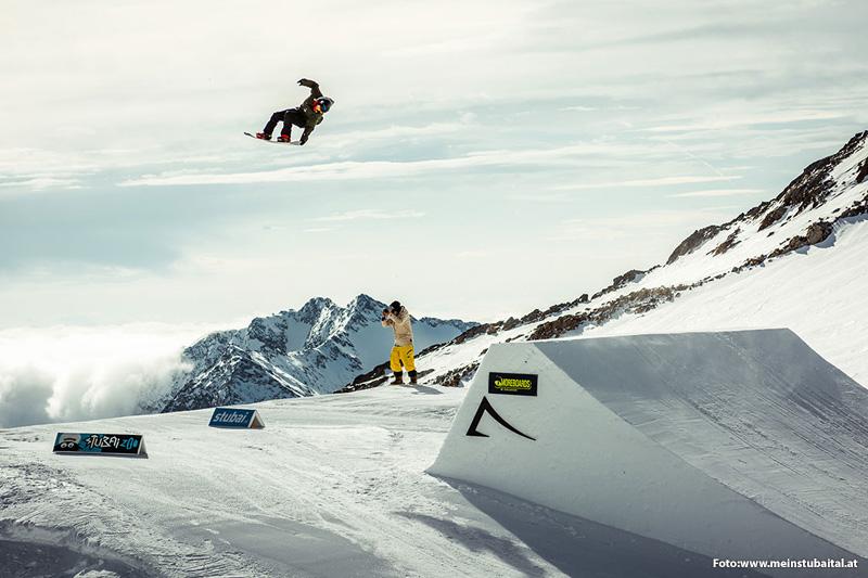Freestile  am Stubaier Gletscher
