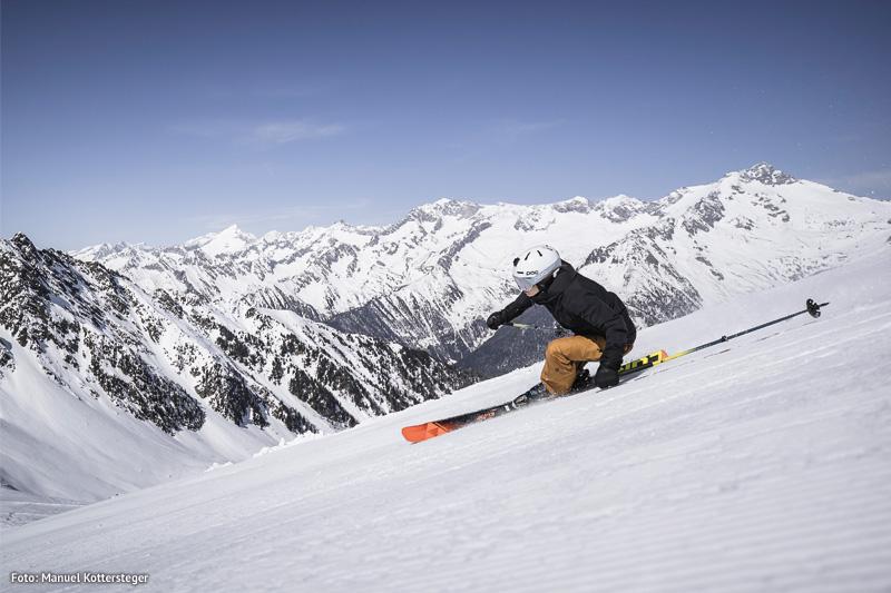 Ein Skipass ermöglicht es dir über 76 Pistenkilometer zu befahren und 21 Aufstiegsanlagen auf einer Höhe von 950 bis 2.510 Metern