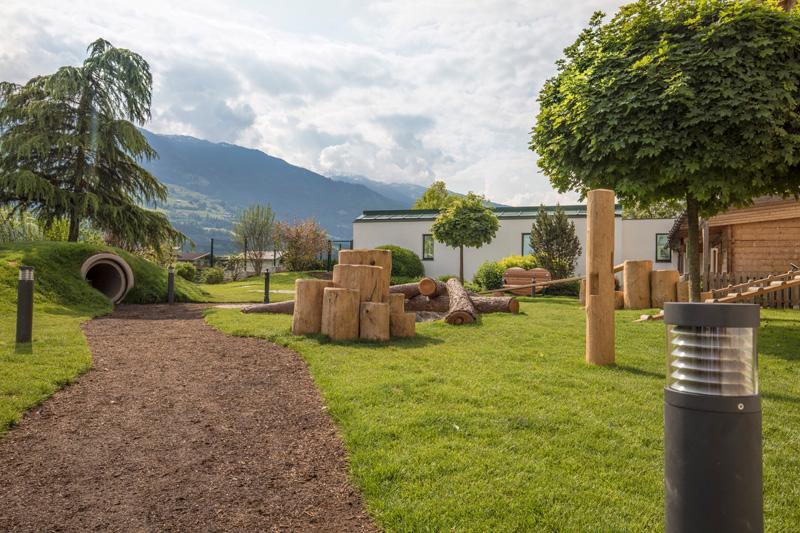 Hundespielplatz im Garten