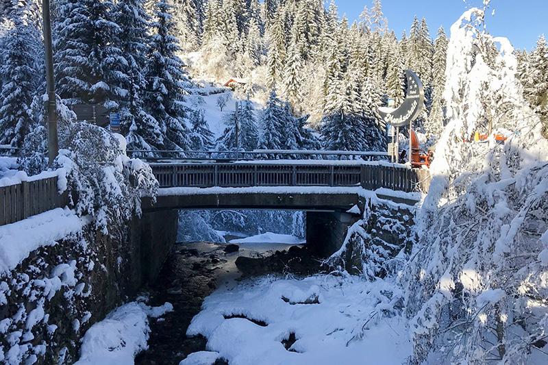 Brücke zum Hotel Mondschein