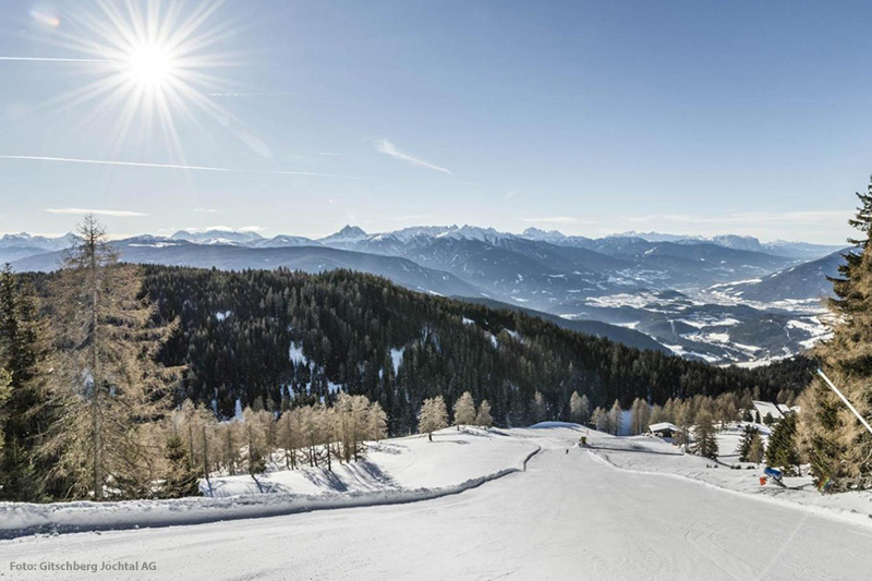 Diese herrlichen Ausblicke auf das Eisacktal und das Pustertal hast Du beim Skifahren in Meransen