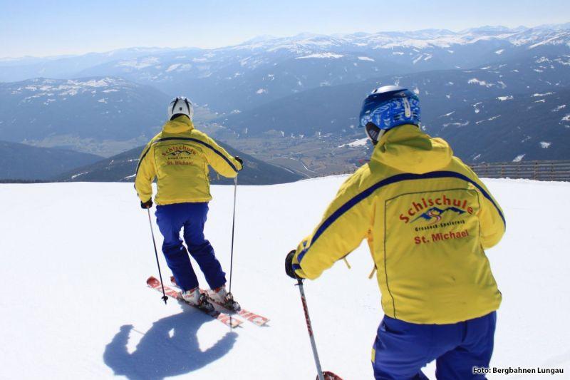 Skifahren lernen mit einer von zwei Skischulen