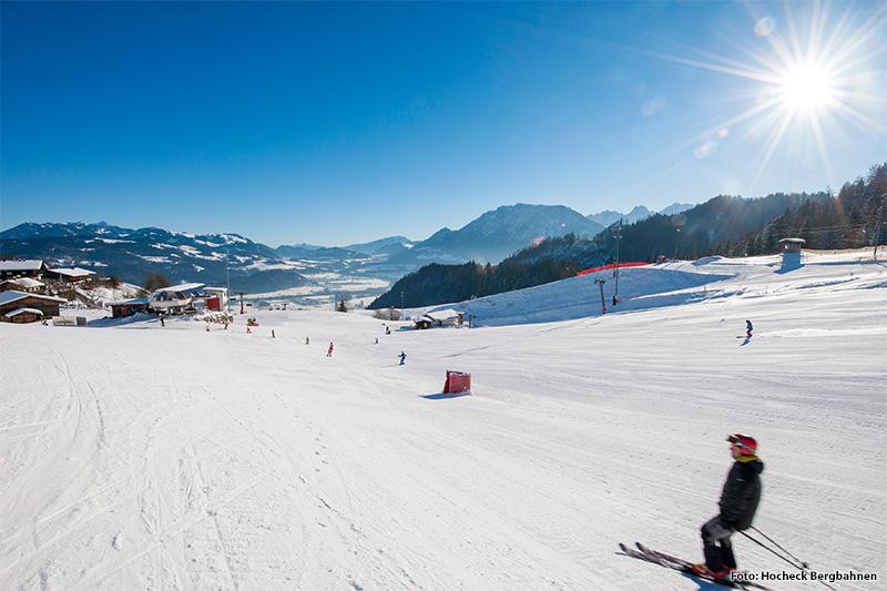 Breite Pisten im Skigebiet Hocheck-Oberaudorf