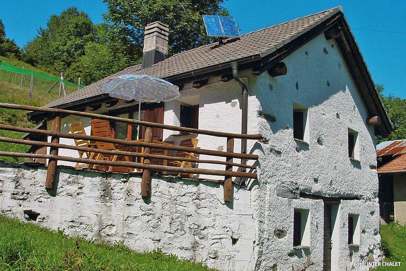 Rustikales Haus im Tessin