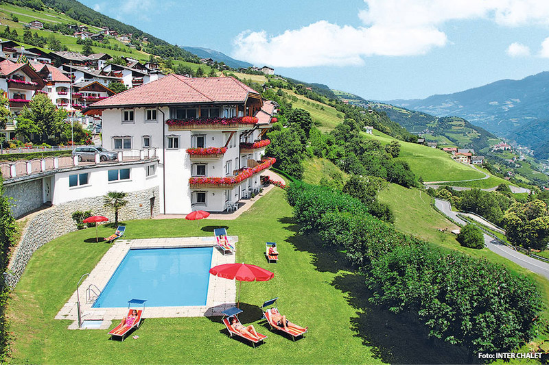 Ferienanlage mit Pool in Villanders