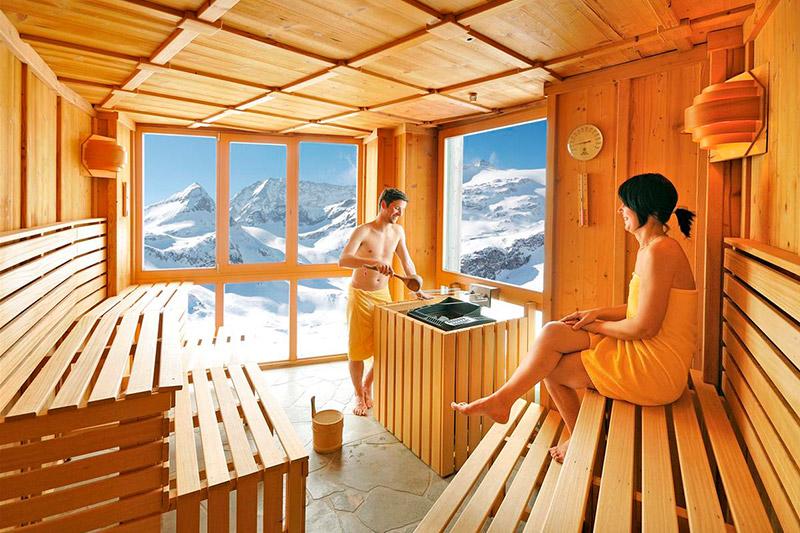 Edelweiss-Spa mit Panorama-Sauna