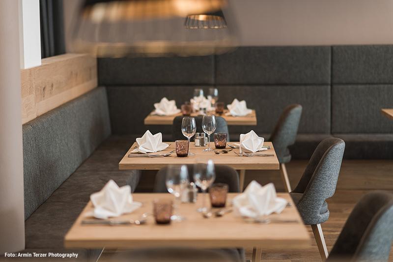 Abends verwöhnt das Etschland-Team dich mit 4-5 Gang Wahlmenü - traditionelle Südtiroler Küche mit mediterranem Einfluss